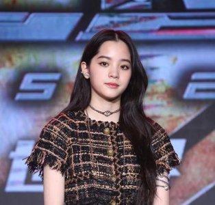 欧阳娜娜回应大众对其演技质疑:自己不敢看节